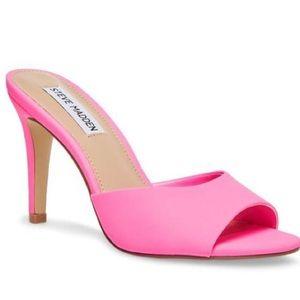 New w/o Box - STEVE MADDEN Erin Neon Pink Sandal